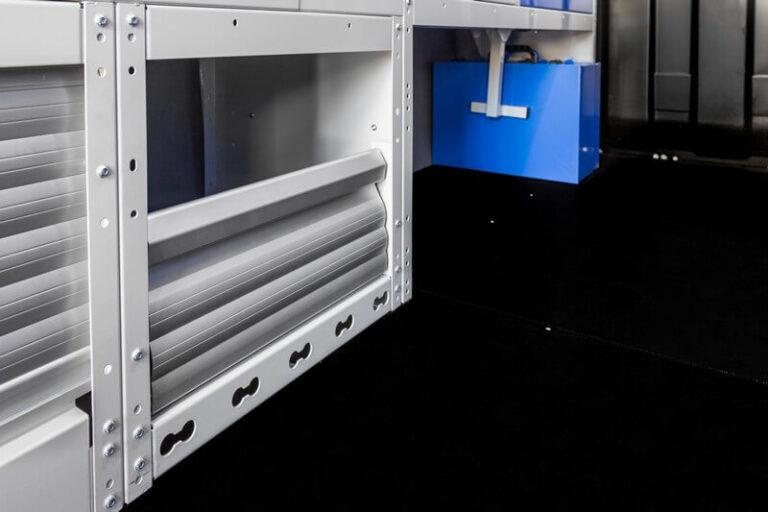 copriruota-con-antina-in-alluminio-per-furgoni-.jpg