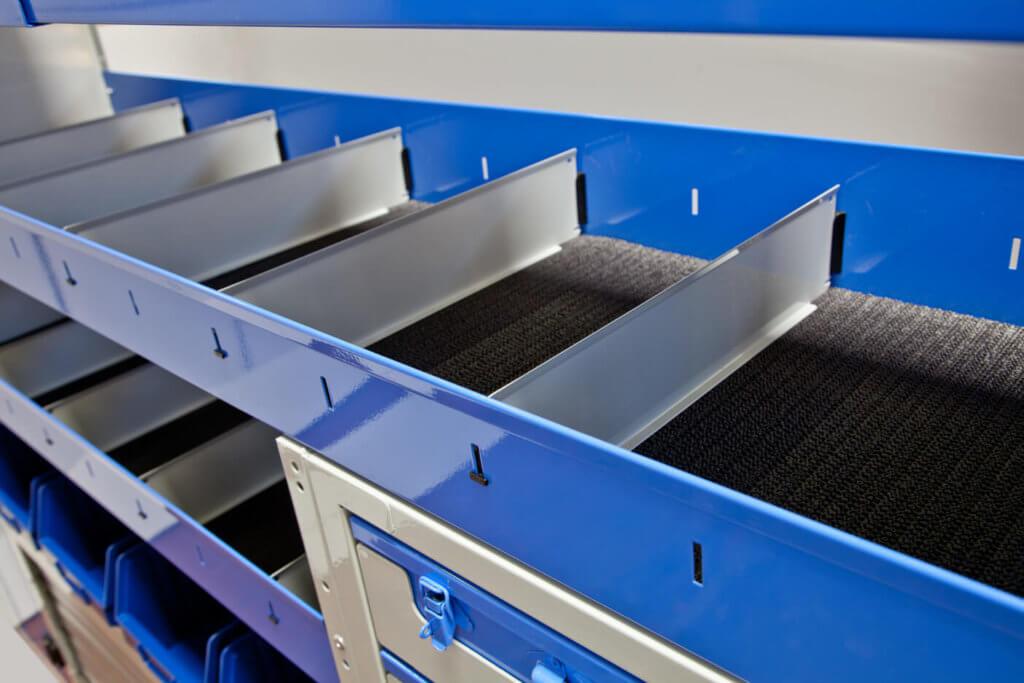 estantes com divisores para furgões e carrinhas de trabalho